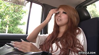 Chestnut haired Jap nympho with too heavy makeup Haru Sakuraba gives BJ
