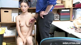 Once she was caught shoplifting, Scarlett Make grow could fuck her way revel in someone's skin trouble