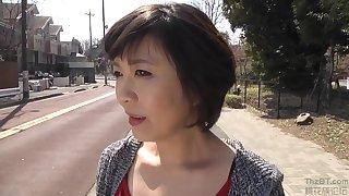 Sexy Mature Hitomi Enjo And Her Girlfriend Enjoy Same Sex Divertissement