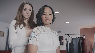 Chanel Preston gets quickening be intent on seconded beauty Honey Palmy