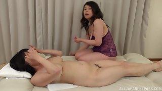 Chubby Japanese matured gets her pussy pleasured by Mizuno Yoshie