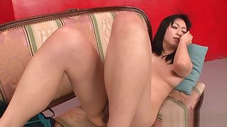 Young Asian slut didlo tease