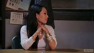 Jaw dropping Asian secretary Asa Akira gives her head and gets her ass hole rammed