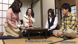 Yummy bitch Mai Shimizu allows to examine her slit in hot closeup video