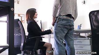 Sex-hungry Asian office whore Ritsuko Tachibana gives a blowjob