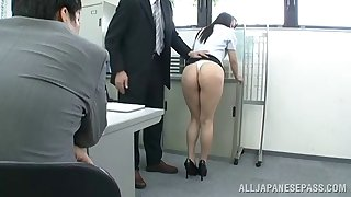 Office floosie gets on the top of her knees added to sucks off her boss